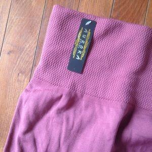 Aurora Seven Pants - High waisted Mauve fleece line leggings