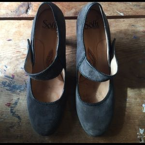 Sofft Shoes - High heeled grey suede Sofft pumps
