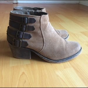 Crown Vintage Shoes - Crown Vintage Brown Leather Ankle Booties size 9.5