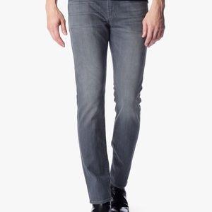 Men size 31 , foolproof denim in color Wolf Grey