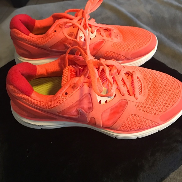 premium selection 56c20 42b0c Nike Lunarglide 3 size 7.5 bright orange