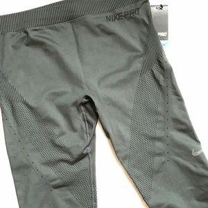Nike Pants - NWT Nike Pro Dri-Fit Hypercool Leggings