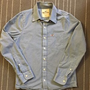 Hollister Other - Men Hollister buttons down shirt