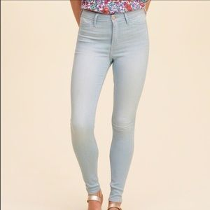Hollister brand new high rise jegging