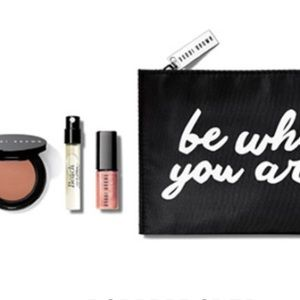 Bobbi Brown Other - NWT Bobbi brown be who you are 4 piece beauty set