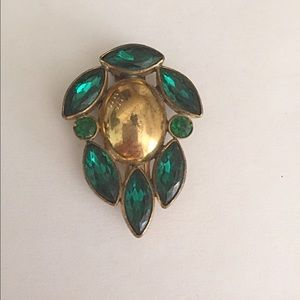 1940s Emerald Rhinestone Monet Dress Clip💚