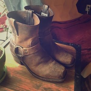 Frye Shoes - FRYE: HARNESS 8R boots dark brown