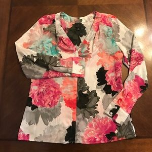 Worthington Tops - Springtime floral top 🌺