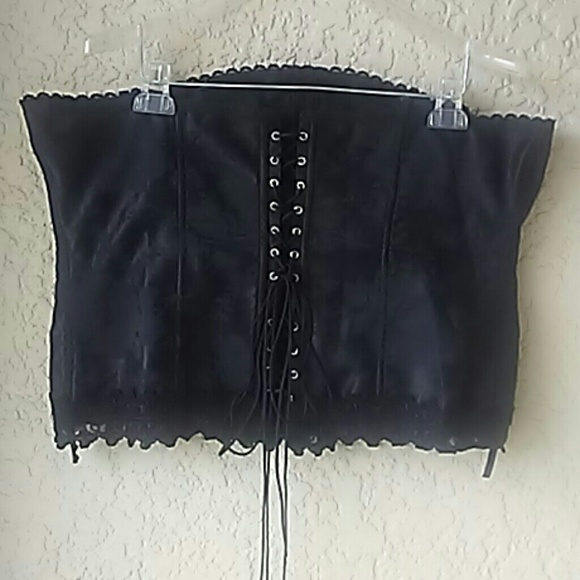24d84715a2 Frederick s of Hollywood Other - Frederick corset size 42
