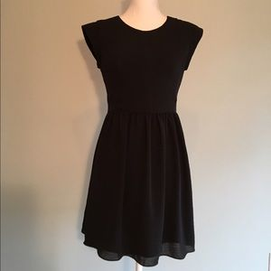 Rebecca Taylor Dresses & Skirts - Rebecca Taylor Black Mini Dress Size 4