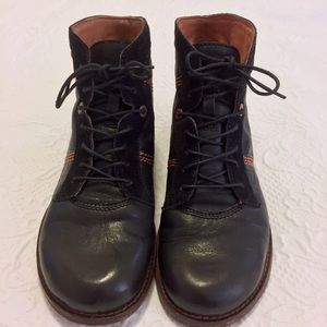 Kickers Shoes - KicKers Boots