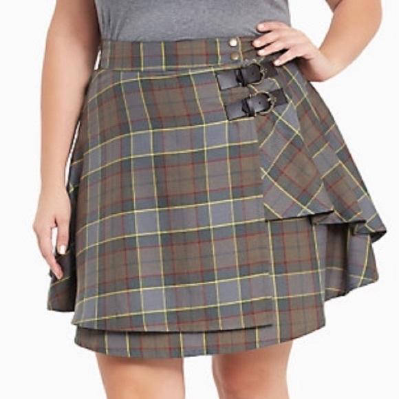 8ae0976242 Torrid outlander Fraser tartan plaid skirt. M_58d9564b7fab3a465200f388