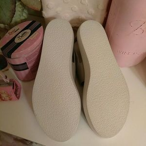 19dbeff0800 Vince Shoes - Vince Marett Two Band Platform Sandals