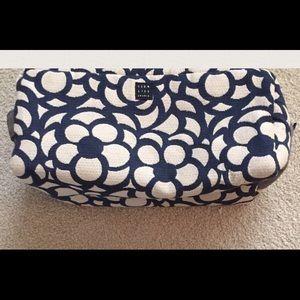 1154 Lill Studio Handbags - 1154 Lill Studio Makeup Bag.