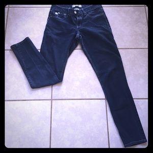 17/21 exclusive denim Denim - Distressed skinny jeans! Size 10
