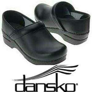 Dansko Shoes - Black Danskos