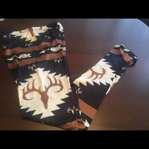 Pants - NEW Deer hunting soft leggings will fit size large