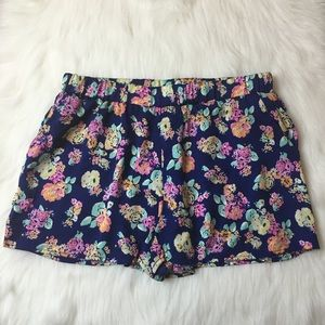 Tobi Floral Shorts with Gold Studs Size M