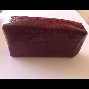 Estee Lauder Handbags - Estee Lauder Makeup & Accessory Bag 💄💄💄