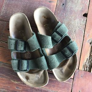 Birkenstock Shoes - Birkenstock Arizona Olive Forest Narrow Sandal