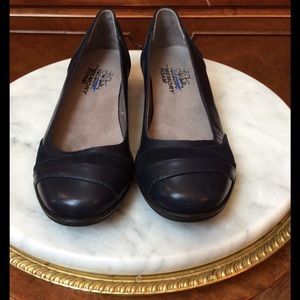 Life Stride Shoes - Brand new Navy Blue Shoes