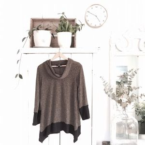 AGB Tops - Green and black cowel neck tunic