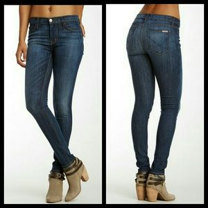 Hudson Jeans Denim - Hudson Nico Midrise Super Skinny  Jeans size 25