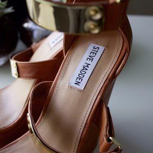 Steve Madden Shoes - 🆕 Steve Madden Wedge