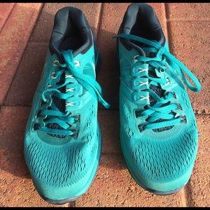 Nike Shoes - Nike Lunareclipse 4 Sneakers