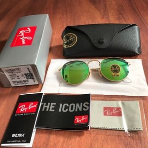 Ray-Ban Accessories - Brand new rb3447 round sunglasses for sale