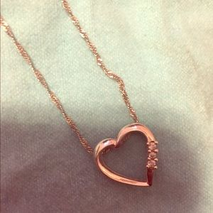 14k White gold necklace with diamond heart
