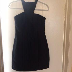 Dresses & Skirts - Form fitting LBD