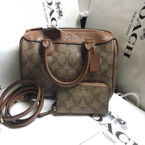 Coach Handbags - 💚🤗coach Bennett set💚🤗