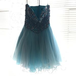Terani Couture Dresses & Skirts - Terani Couture dress on Teen Prom cover(2011)