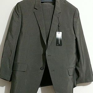 Andrew Fezza Other - Andrew Fezza Men Suits? 2 PC Suit. Size 44SH/38w.