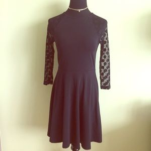 Express Dresses & Skirts - 🖤 EXPRESS skater dress w/ polka dot sleeves S