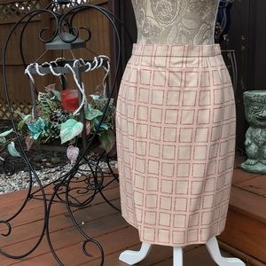 LOUIS FERAUD Dresses & Skirts - VTG LOUIS FERAUD SKIRT IVORY W/RED SIZE 6