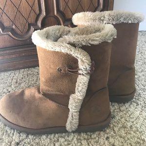 Airwalk Shoes - Airwalk (ugg like) boots