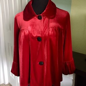 CHOISE Tops - Beautiful velvet red top