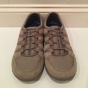 Skechers Shoes - Sketchers Relaxed Fit Memory Foam Womens Shoes 6.5