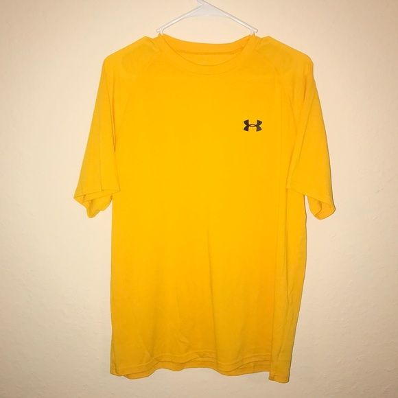 Under armour clearance men 39 s under armour t shirt for Under armour men s shirts clearance