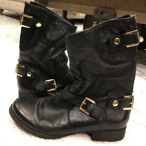 Steve Madden ankle boots w/ gold zips & snaps, 8