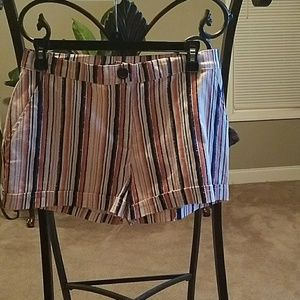 Stoosh Pants - Cute shorts. New with tags😃