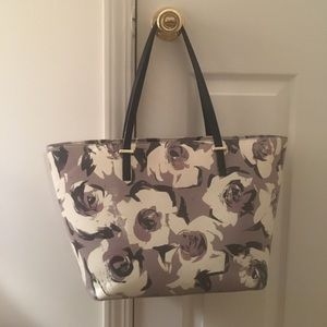 kate spade Handbags - Kate Spade grey and black floral tote