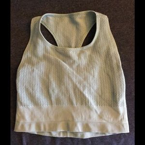 ALO Yoga Tops - Alo fitted crop yoga top