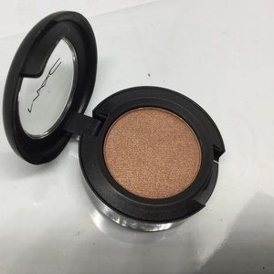 MAC eyeshadow bold and brazen BNIB