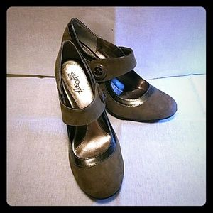 Sofft Shoes - Suede Olive Mary Janes with Metallic Accents.
