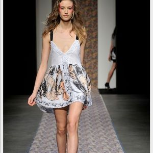 Alice McCall Dresses & Skirts - ISO Alice McCall fiddle dress!