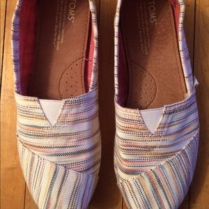 TOMS Shoes - Tom's Shoes Size 9