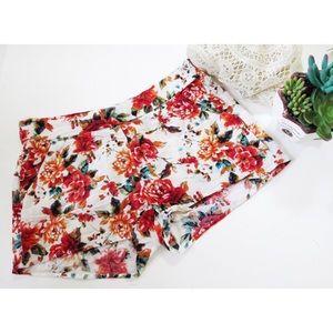 Kirra Pants - Floral summer pattern shorts